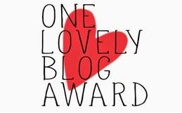 """Neues aus der BloggerInnen-Welt: Auf Facebook angekommen & für den """"One Lovely Blog Award"""" nominiert"""