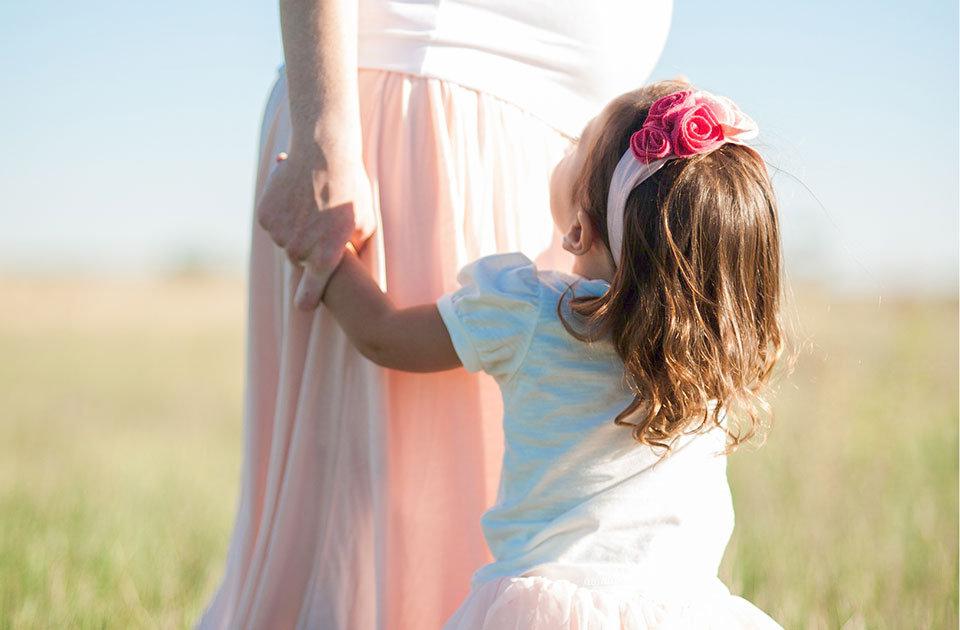 Haarpflege in der Schwangerschaft: Do's, Dont's und 10 wirksame Hausmittel