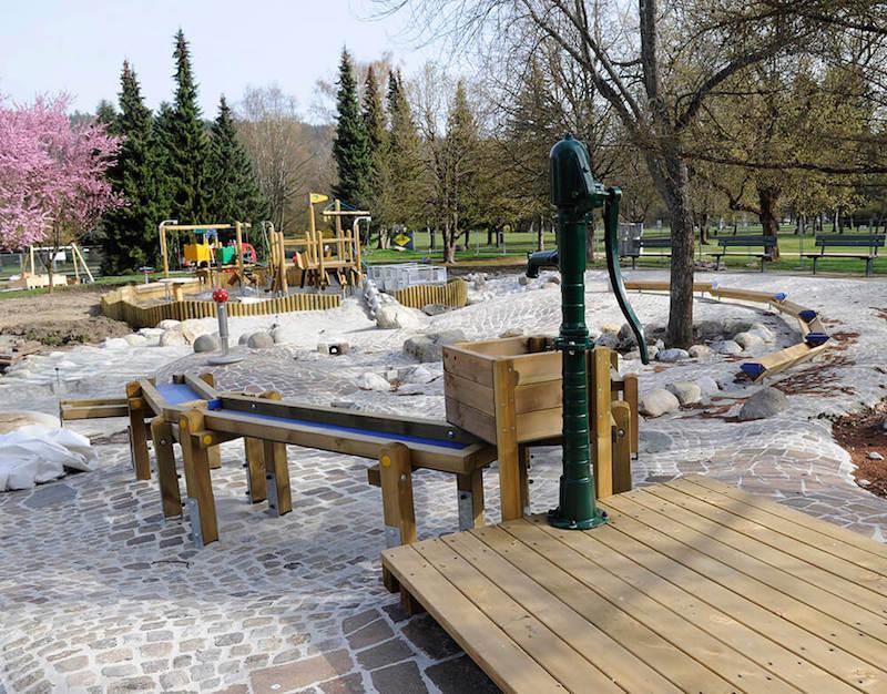 Klagenfurt mit kind beim Spielplatz im Europapark