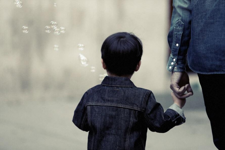 """Kinder trösten: """"Hast du dir weh getan?"""" – Übers Wahrnehmen und Verbalisieren von Schmerz"""