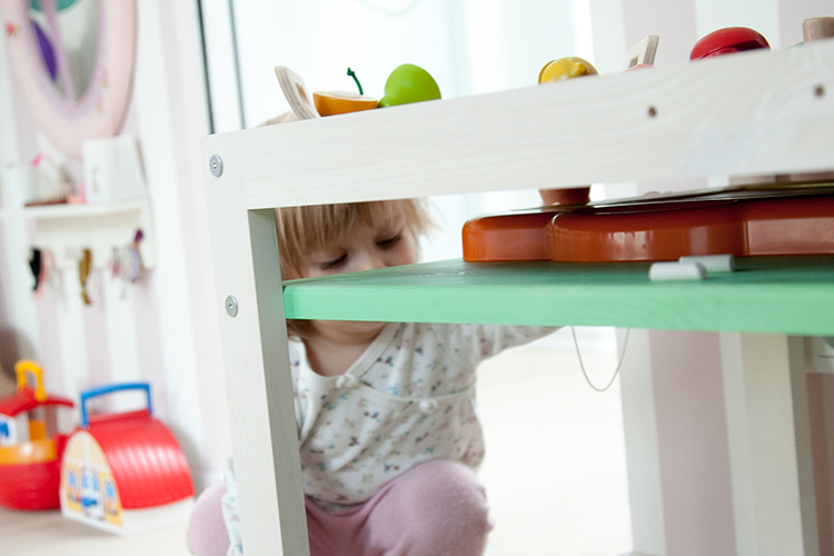 ekomia: minimalistische Öko-Designmöbel, die mit unseren Kindern wachsen
