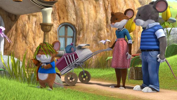 leo lausemaus und seine Eltern vor ihrem mäuseloch