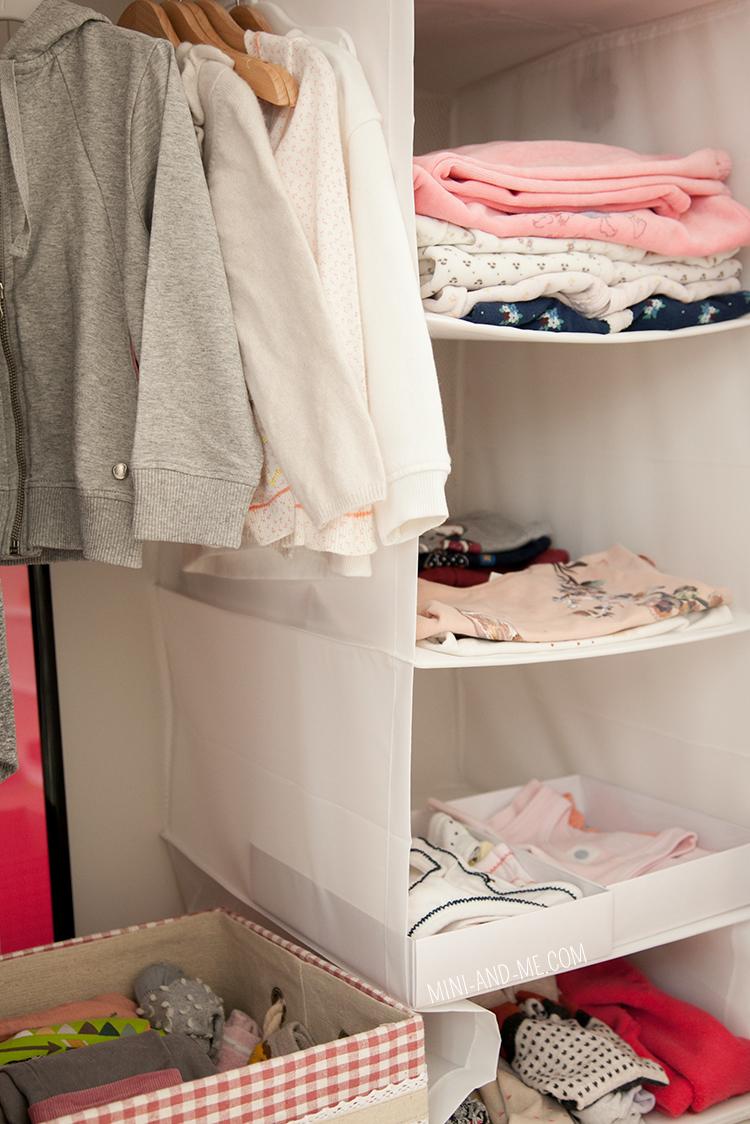 mini-and-me-miniandme-mama-lifestyle-blog-wien-montessori-zuhause-montag-leben-mit-kindern-nyani-kleiderschrank-wardrobe1