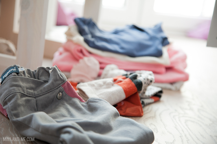 mini-and-me-miniandme-mama-lifestyle-blog-wien-montessori-zuhause-montag-leben-mit-kindern-nyani-kleiderschrank-wardrobe2