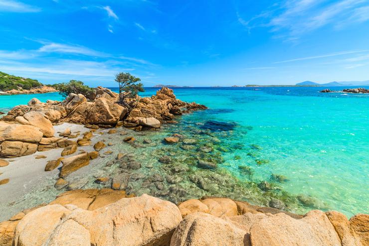 Einmal Sardinien und immer wieder zurück: Mama Christine über die Sonnen- und Schattenseiten des mediterranen Insellebens
