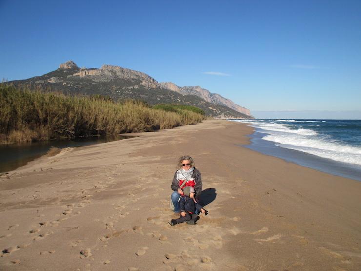 mini and me im Gespräch mit auswanderin Christine vom blog insel Traum leben über das auswandern nach Sardinien mit kindern