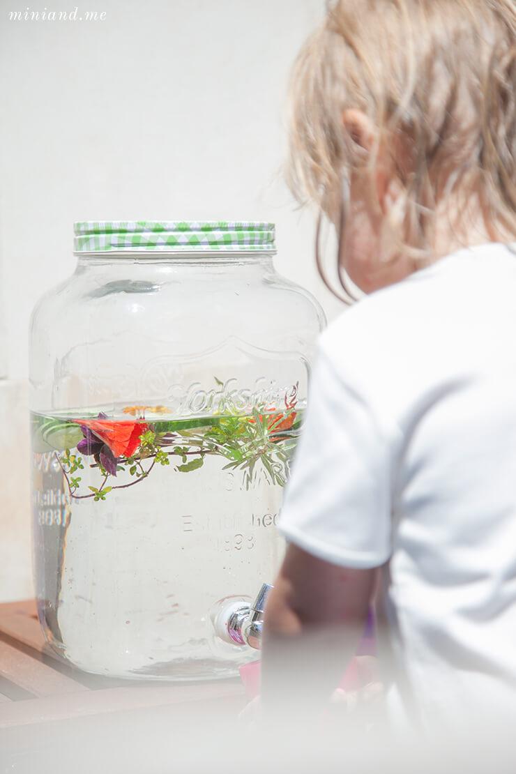 Montessori: Zugang zu Wasser in unserem Haus, Wasserspender Wasserstation