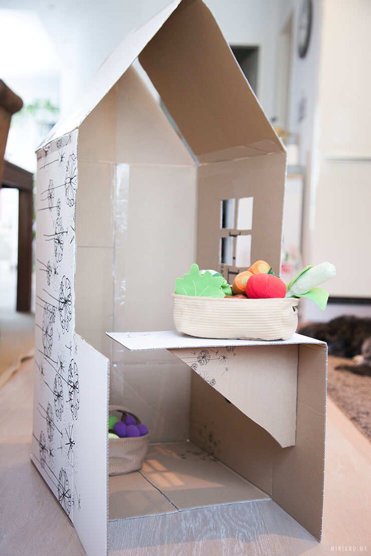 Gut bekannt Upcycling DIY: Faltbares Spielhaus und Kaufladen aus einem YA25