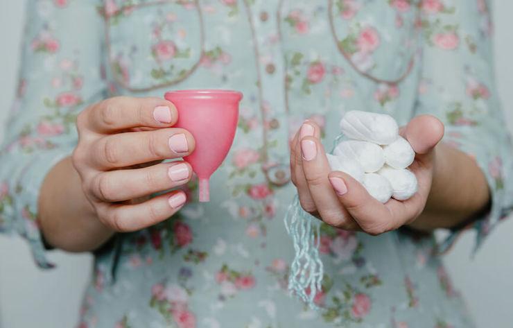 Nachhaltige Monatshygiene: Erfahrungsbericht nach einem Jahr Zero Waste (Menstruationstasse & Stoffbinden FAQ)