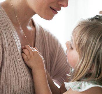 Briefe an mein Kind: Wie ich durch dich zu mir fand (Und eine bezaubernde Verlosung mit Weleda & Merci Maman)
