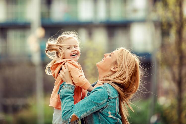 Mein gefühlsstarkes Kind verstehen und begleiten (und 8 typische Merkmale gefühlsstarker Kinder)