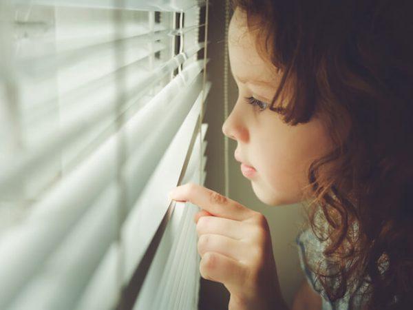 Trauer, Achtsamkeit und Selbstmitgefühl: Wie wir Kinder begleiten und selbst trauern können (Mini and Me, Expertengespräch, Psychologe, Beziehung statt Erziehung) #Achtsamkeit #Selbstmitgefühl #Trauer #Weiterleben