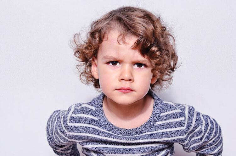Mama, du bist blöd! Wie Kinder uns auf Missstände hinweisen (Kindliche Kooperation, Jesper Juul, Stopp, Selbstanbindung, Mini and Me, Leben mit Kindern, Beziehung statt Erziehung, Achtsamkeit mit Kindern, Selbsterforschung, Bewusst leben, Unerzogen, Kinder begleiten) #miniandme #beziehungstatterziehung #wakeupcall #bewusstleben #familieleben