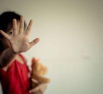 """Von Gewalt, kindlichem """"Fehlverhalten"""" und Empathielosigkeit im Kompetenzkittel"""
