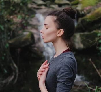 Wenn ein Gedanke weh tut, ist er nicht wahr: Wie du negative Gedanken auflösen kannst (und 10 Zitate von Byron Katie)